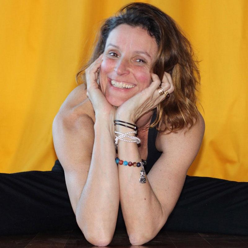 Anneriek Favelle Yoga Teacher